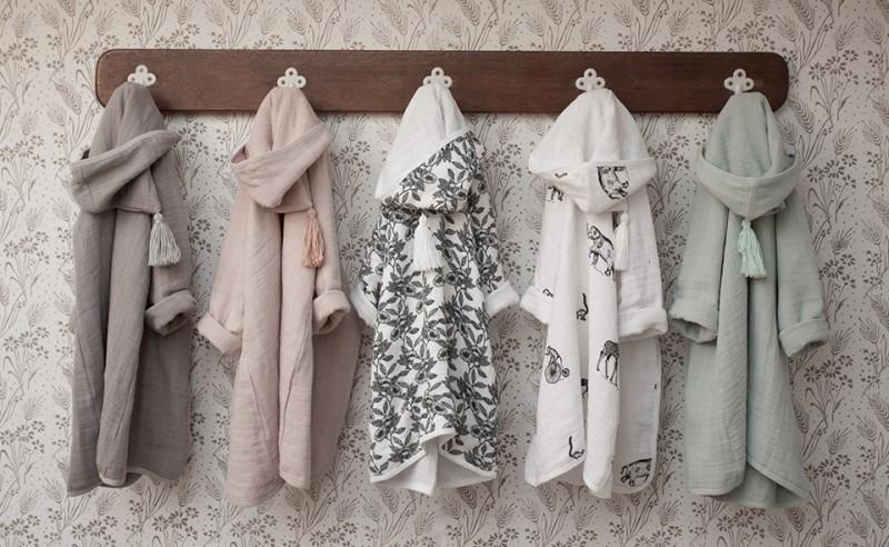 peignoir-porte-manteau-2