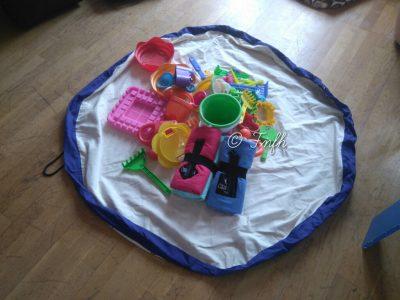 Sac de rangement et tapis de jeu nomade de chez Tipiyou